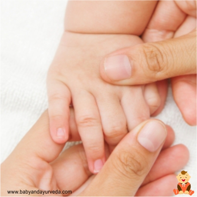 baby-hands-massage-tips